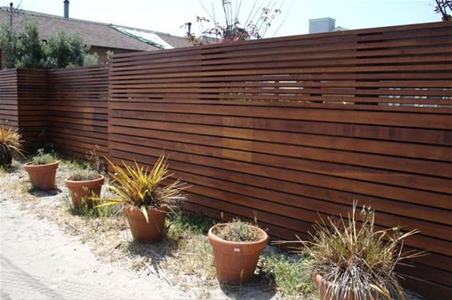 Modern Wood Fence Design Ideas 32
