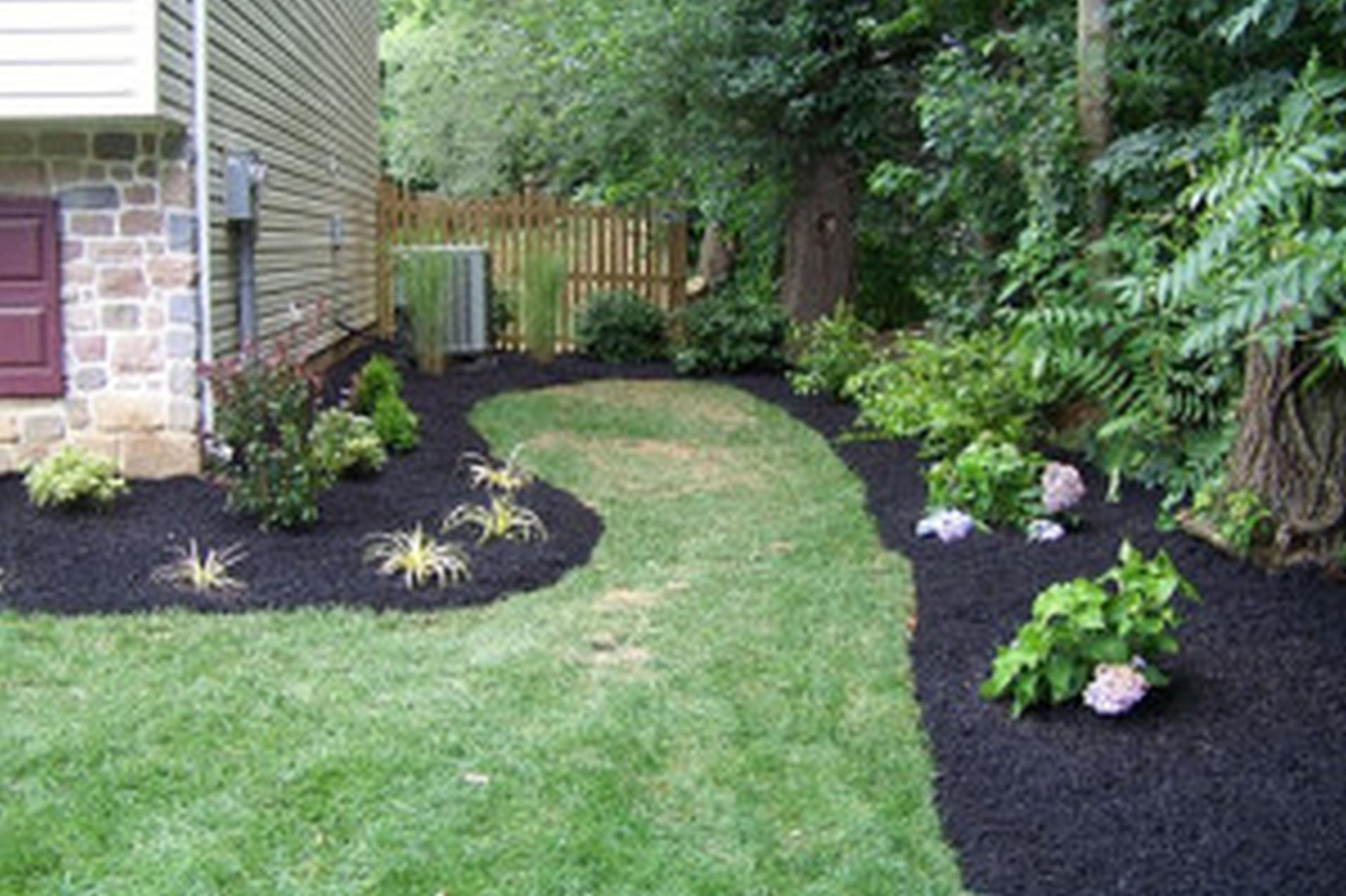 Perfcet Easy Garden Landscaping Design Ideas 16