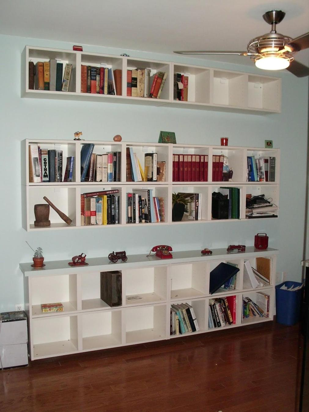 Perfect Bookshelves For Small Spaces and Decor Ideas 25