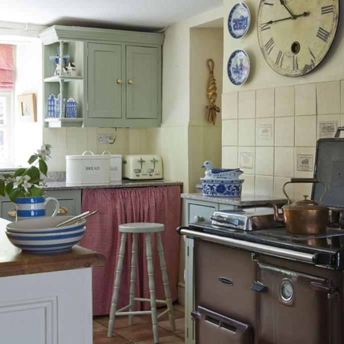 Small Country Kitchens Design and Decor Ideas 12