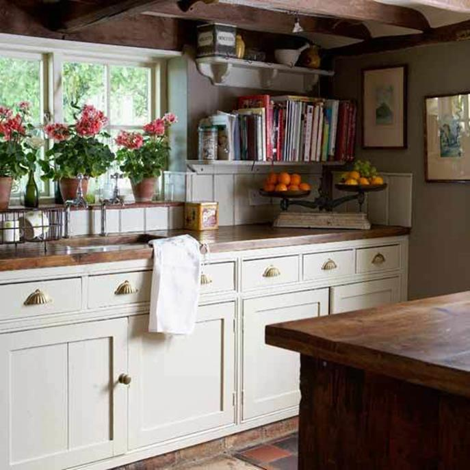 Small Country Kitchens Design and Decor Ideas 17