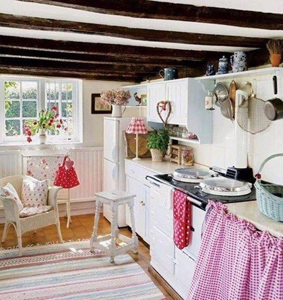 Small Country Kitchens Design and Decor Ideas 30