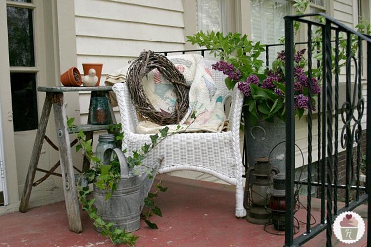 Spring Garden Decorating Ideas for Front Porch 23