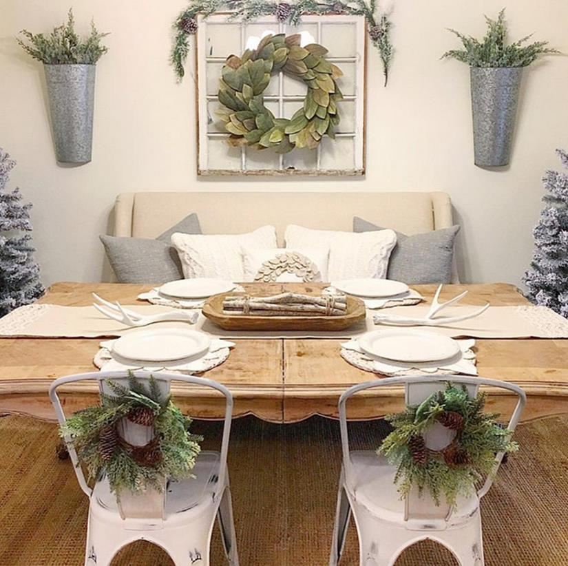 37 Stunning Christmas Dining Room Décor Ideas: 41 Beautiful Farmhouse Dining Room Decorating Ideas