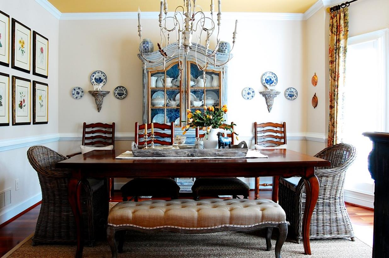 Farmhouse Dining Room Decorating Ideas 31