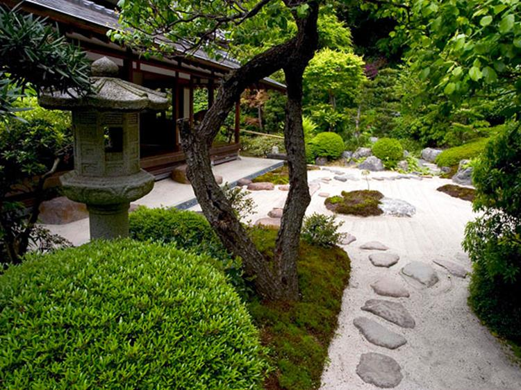 Japanese Style Garden Design Ideas 12
