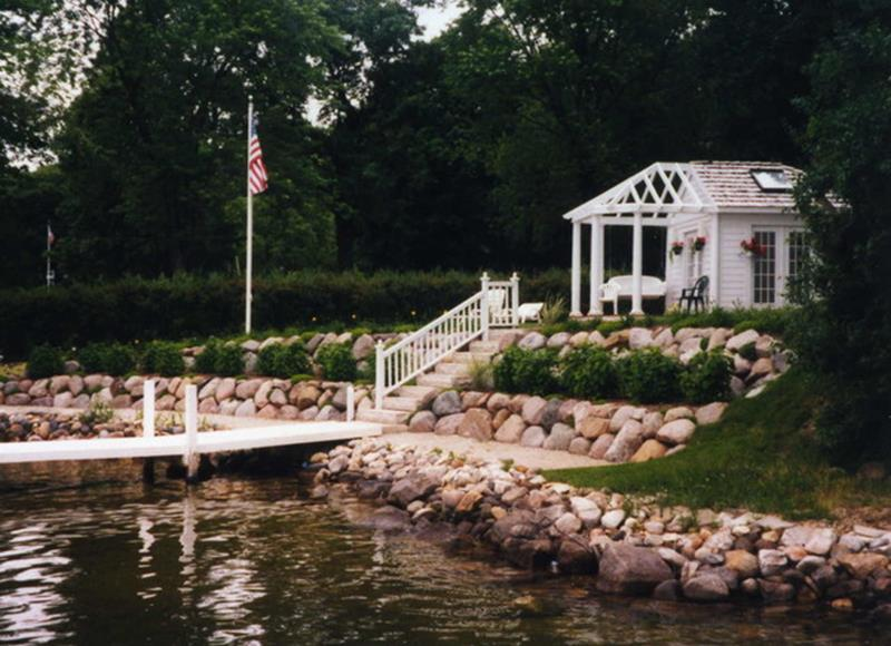 Lakefront Property Landscaping Ideas 27