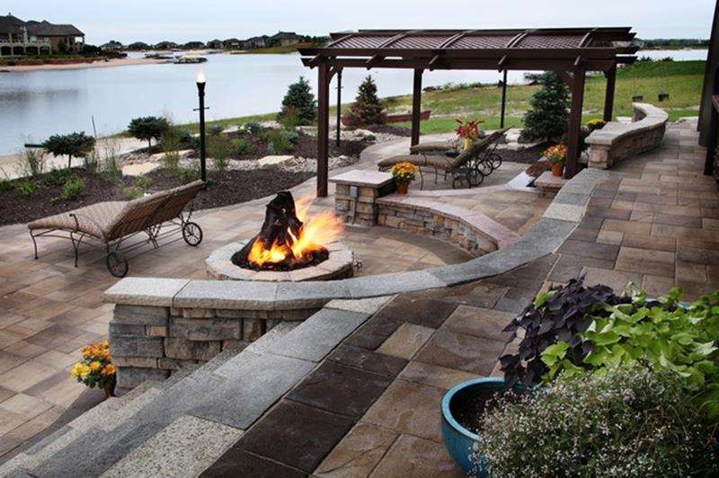 34 Perfect Lakefront Property Landscaping Ideas Gongetech
