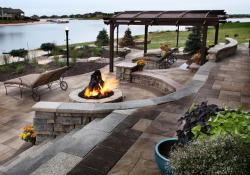 Lakefront Property Landscaping Ideas 34