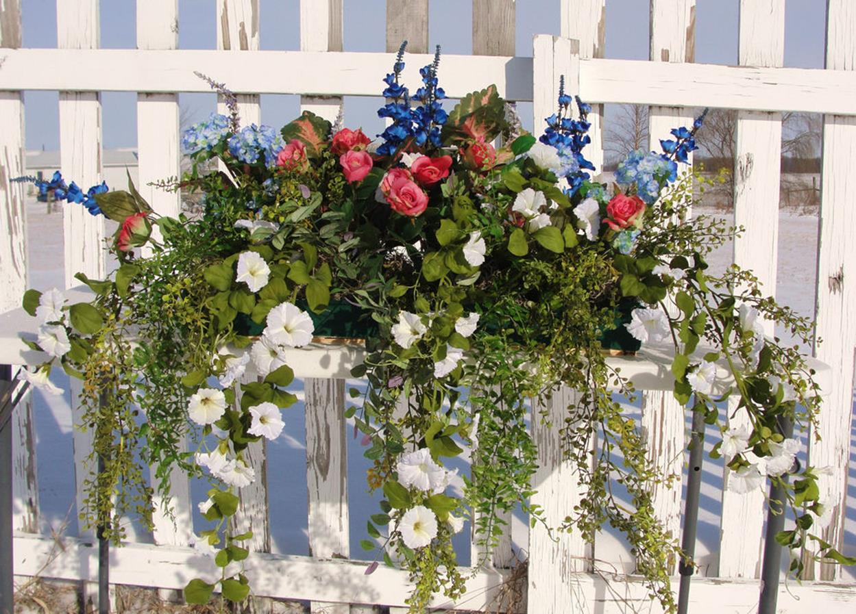 Best Beautiful Cascading Flowers For Window Boxes Ideas 18