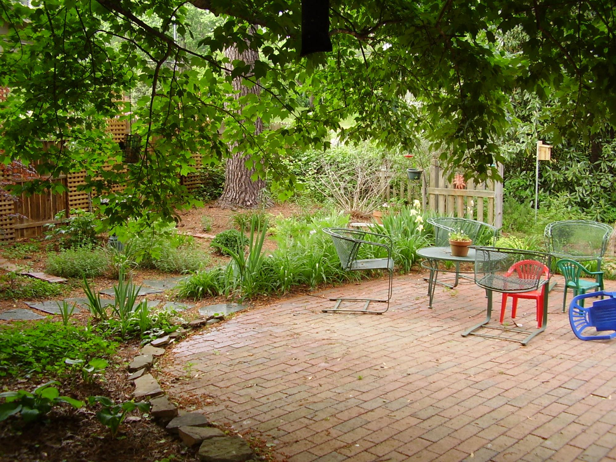 Perfect Landscaping Ideas for Small Yards 19