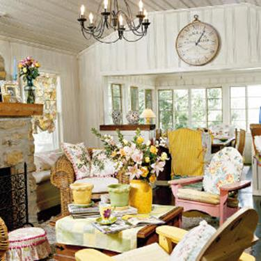 Yellow Cottage Living Room Decorating Ideas 26
