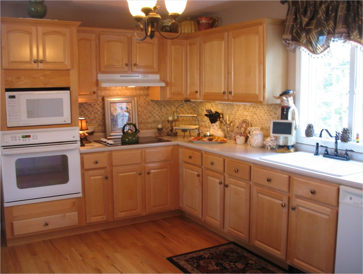 Kitchen with Maple Cabinets Color Ideas 15 Kitchen Color Ideas with Maple Cabinets 3