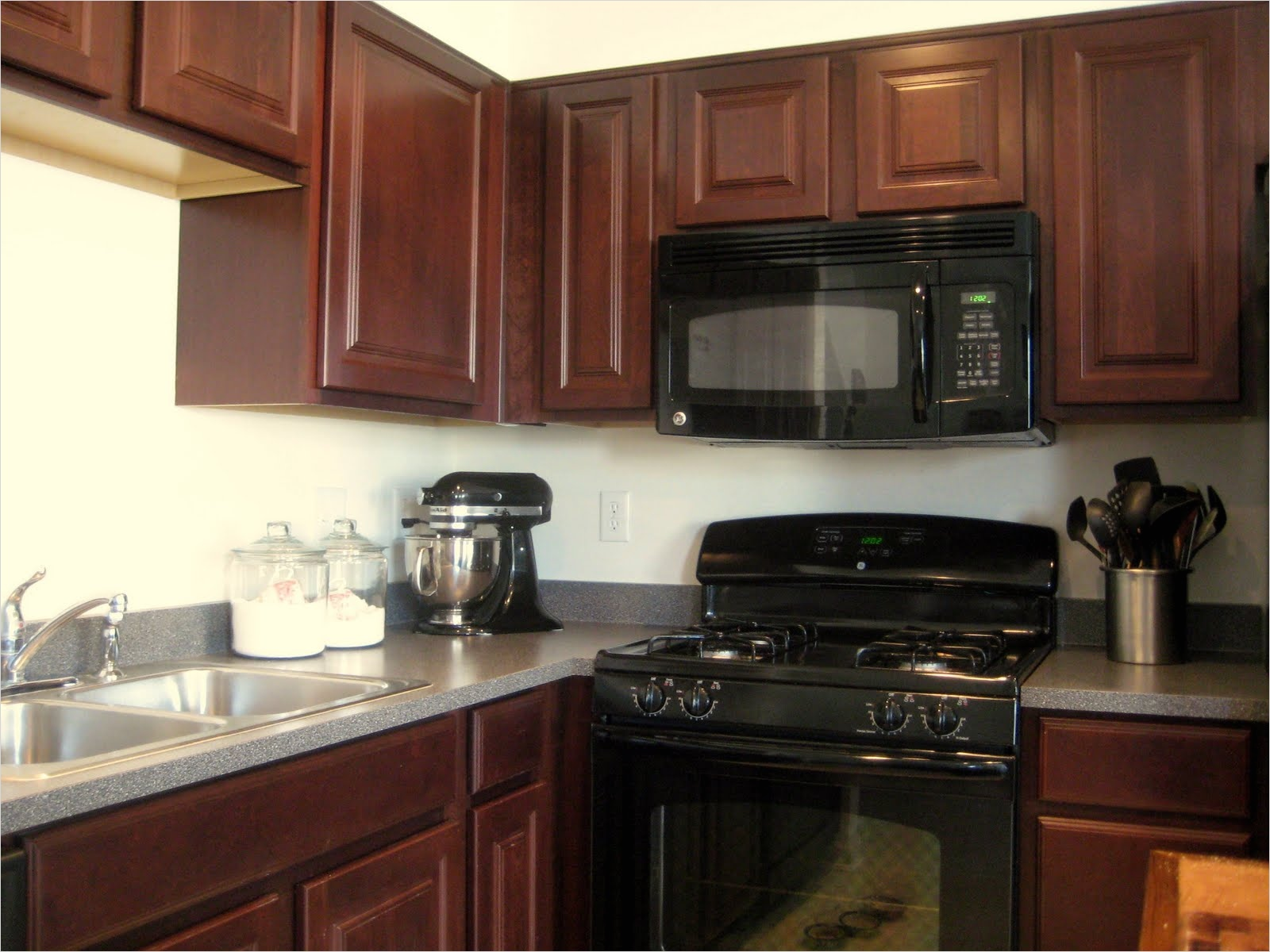 Kitchen with Maple Cabinets Color Ideas 63 Kitchen Lake forest Park Residence 109 Kitchen Color Ideas with Maple Cabinets Ahhualongganggou 9