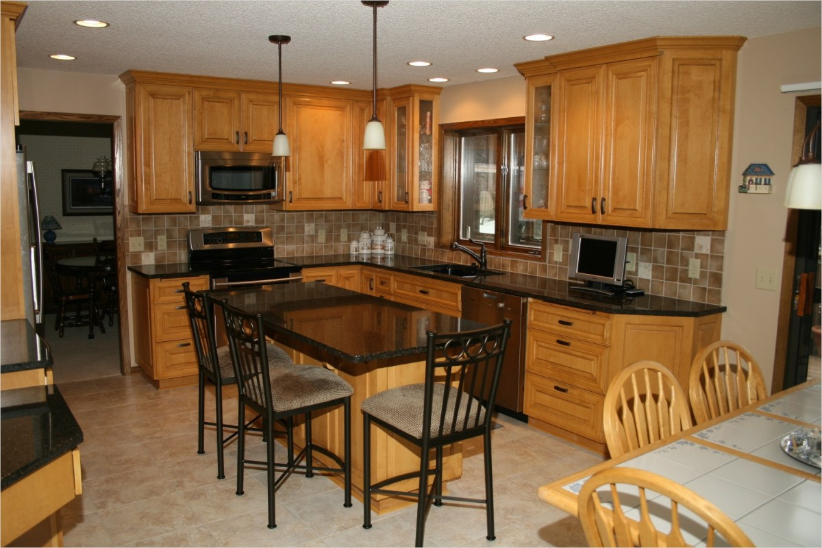 Kitchen with Maple Cabinets Color Ideas 29 Kitchen Popular Paint Colors for Kitchens Home Trends Kitchen Wall Color Ideas with Cream 3