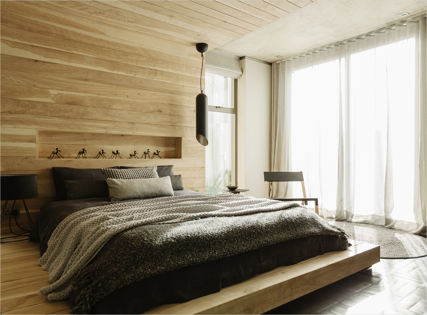 40 Perfect Modern Apartment Decor Ideas 89 Modern Apartment Bedroom Ideas with Wooden Bed and Headboard and Wooden Wall Decor Laredoreads 6