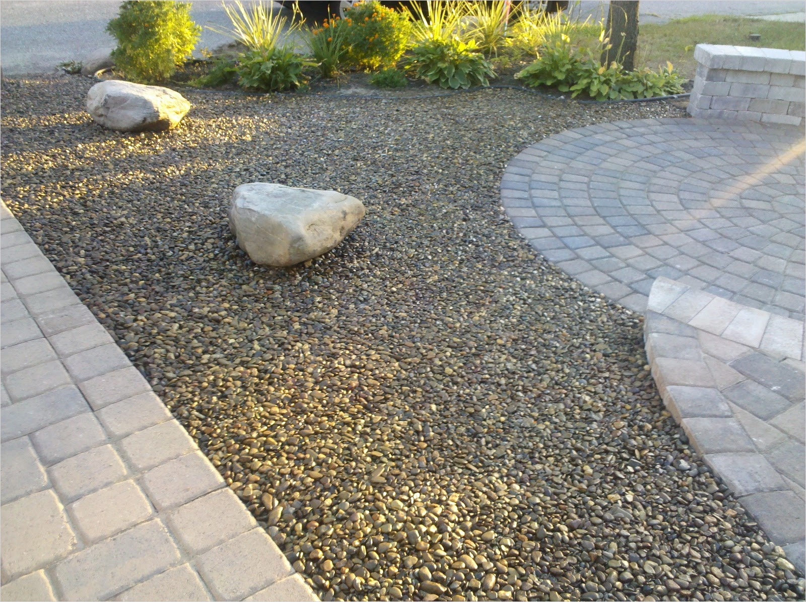 43 Perfect Gravel Landscaping Ideas 63 Gravel and Grass Landscaping Ideas 7