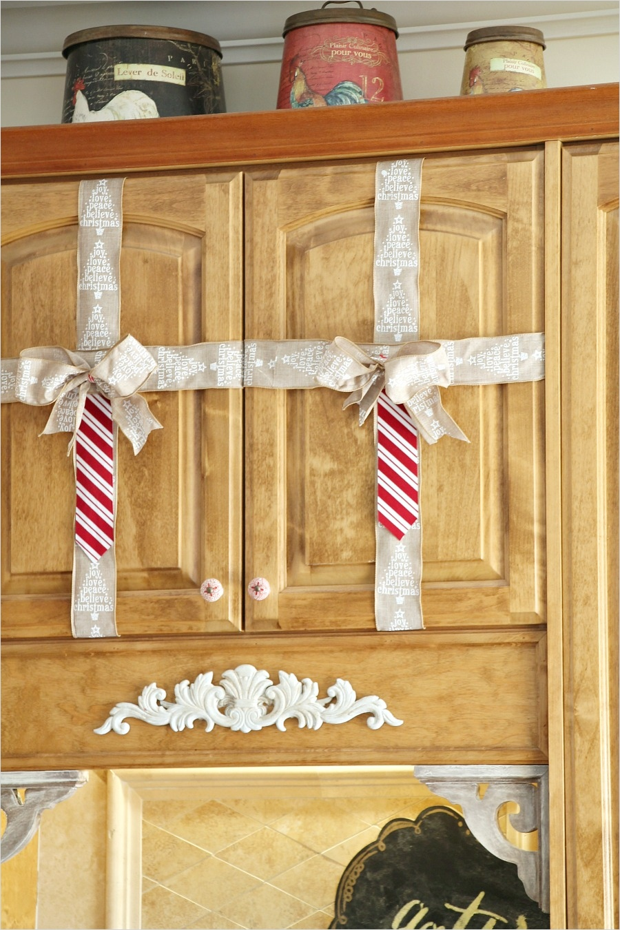 42 Awesome Kitchen Christmas Decorating Ideas 37 Simple Christmas Decorating Ideas In the Kitchen Debbiedoos 5