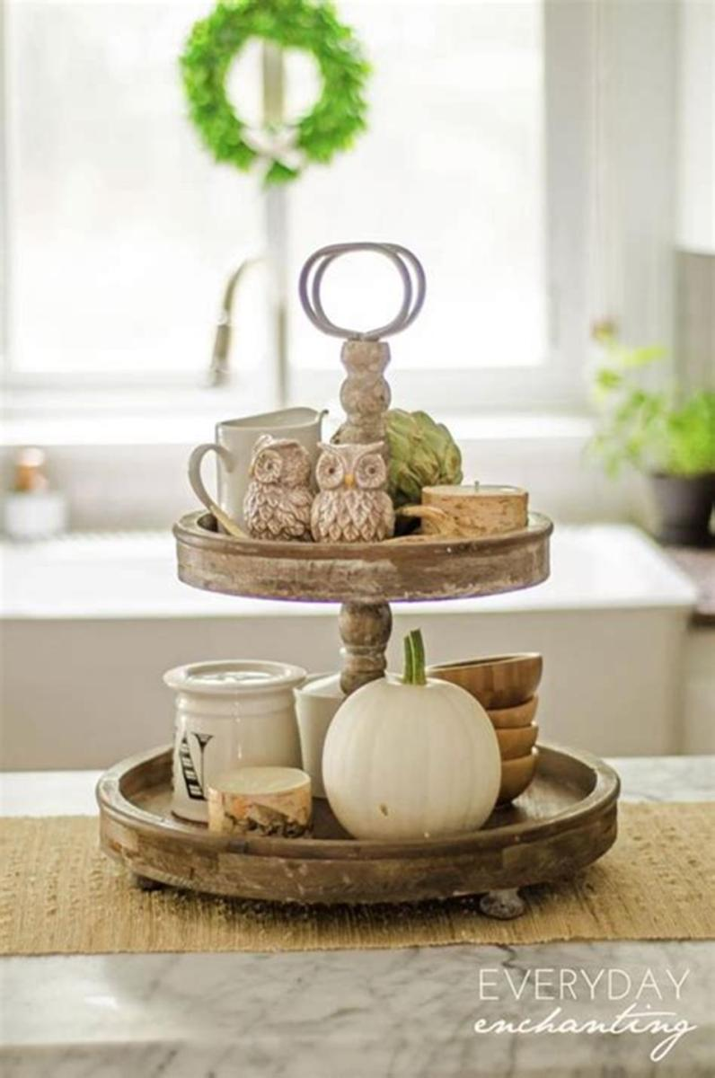 40 Beautiful Farmhouse Style Tray Decor Ideas 19