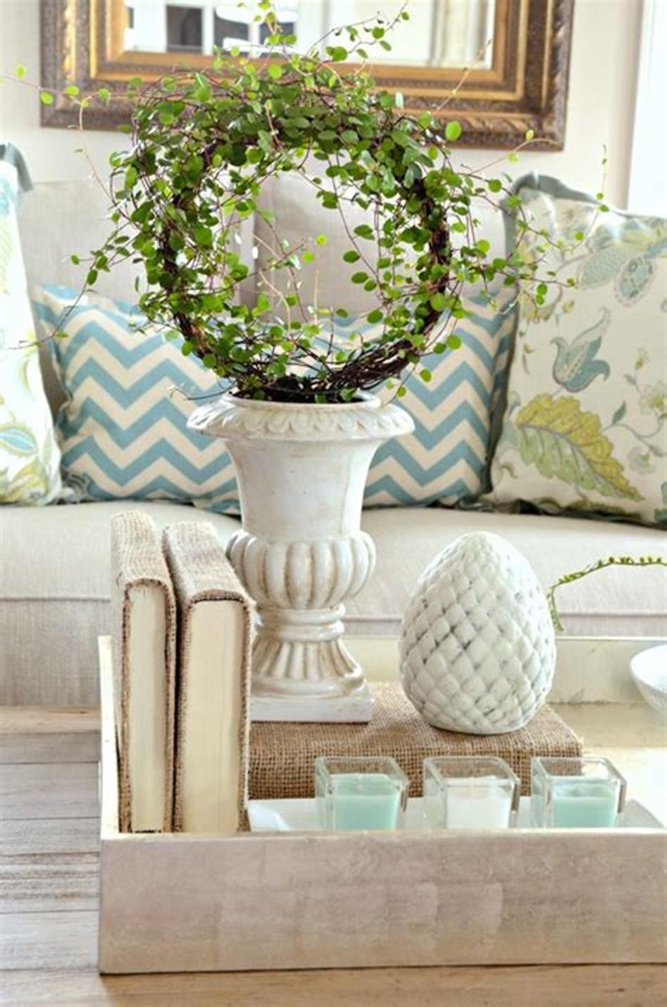 40 Beautiful Farmhouse Style Tray Decor Ideas 44