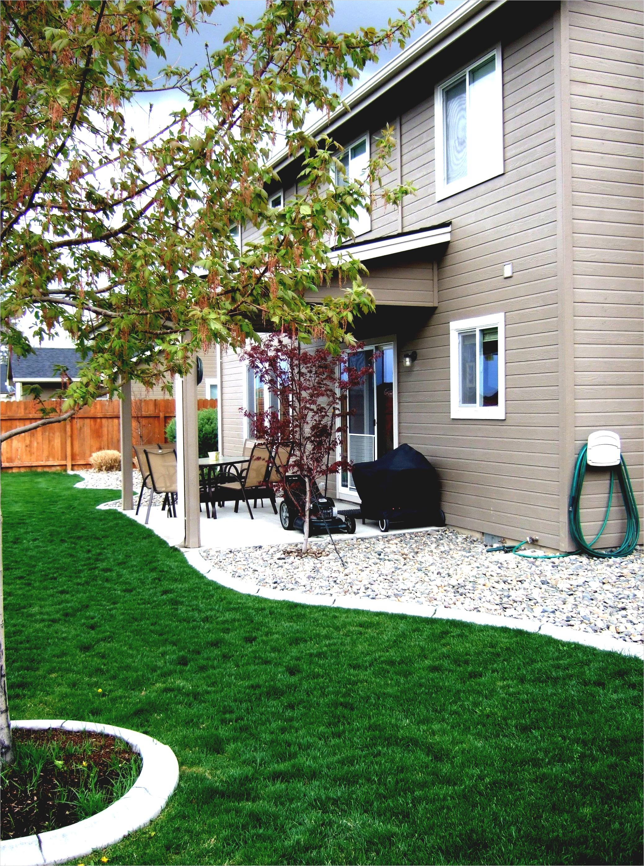 35 Perfect Front Yard Landscaping Ideas with Rocks 14