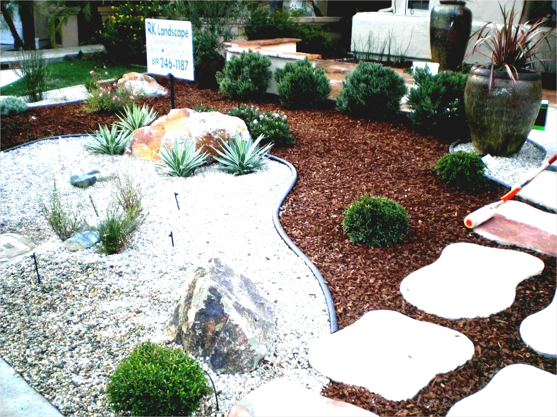 35 Perfect Front Yard Landscaping Ideas with Rocks 68
