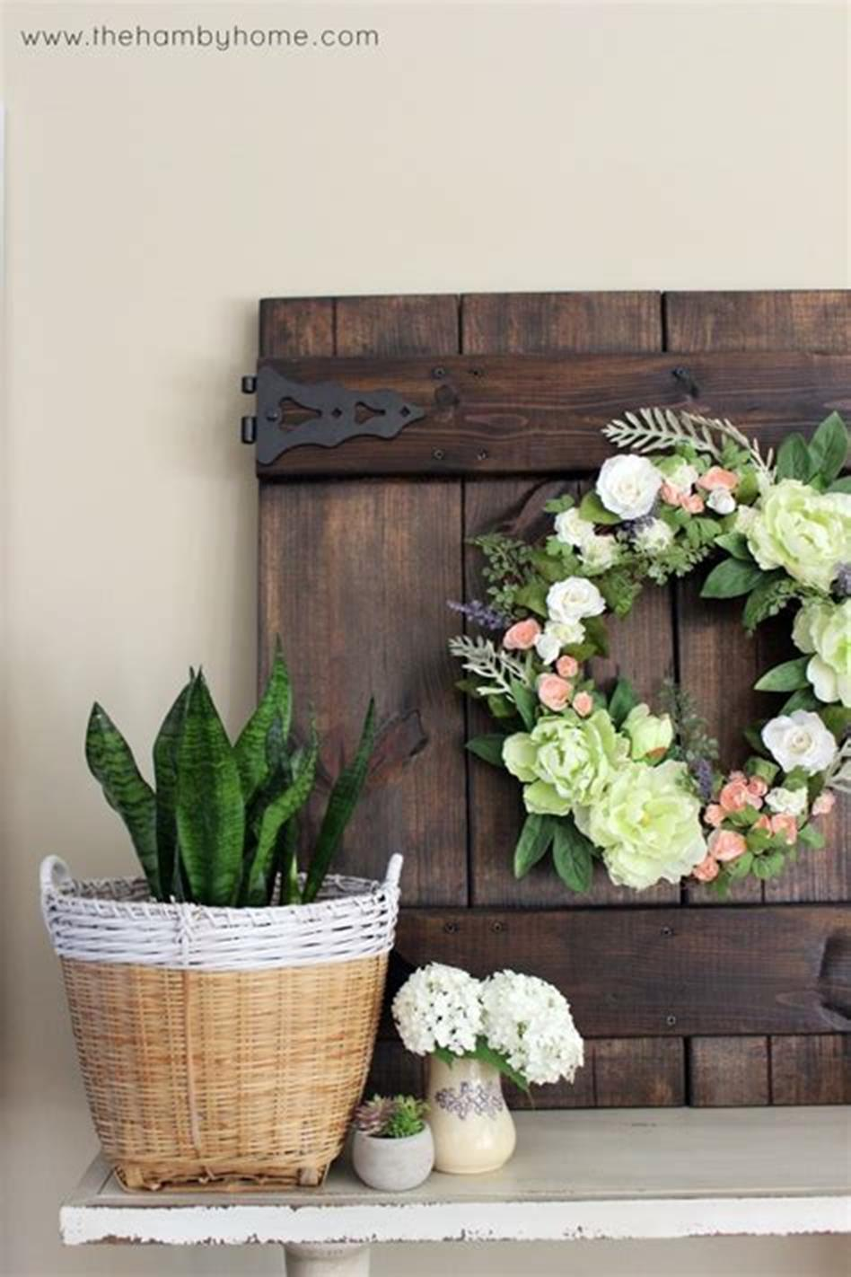 37 Beautiful Farmhouse Spring Decorating Ideas On a Budget for 2019 15