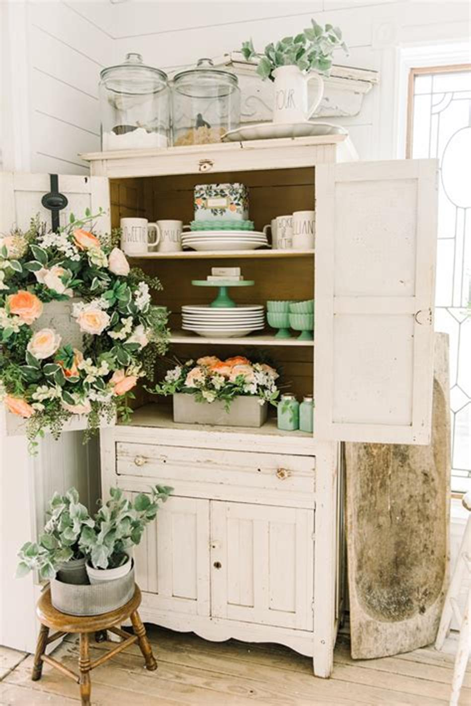 37 Beautiful Farmhouse Spring Decorating Ideas On a Budget for 2019 24