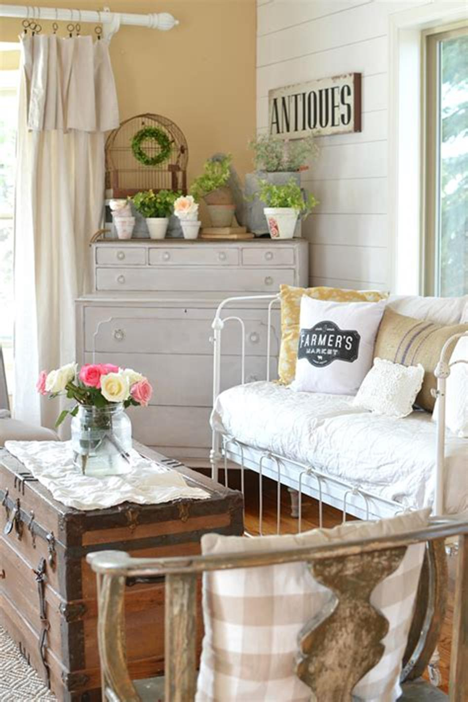 37 Beautiful Farmhouse Spring Decorating Ideas On a Budget for 2019 32