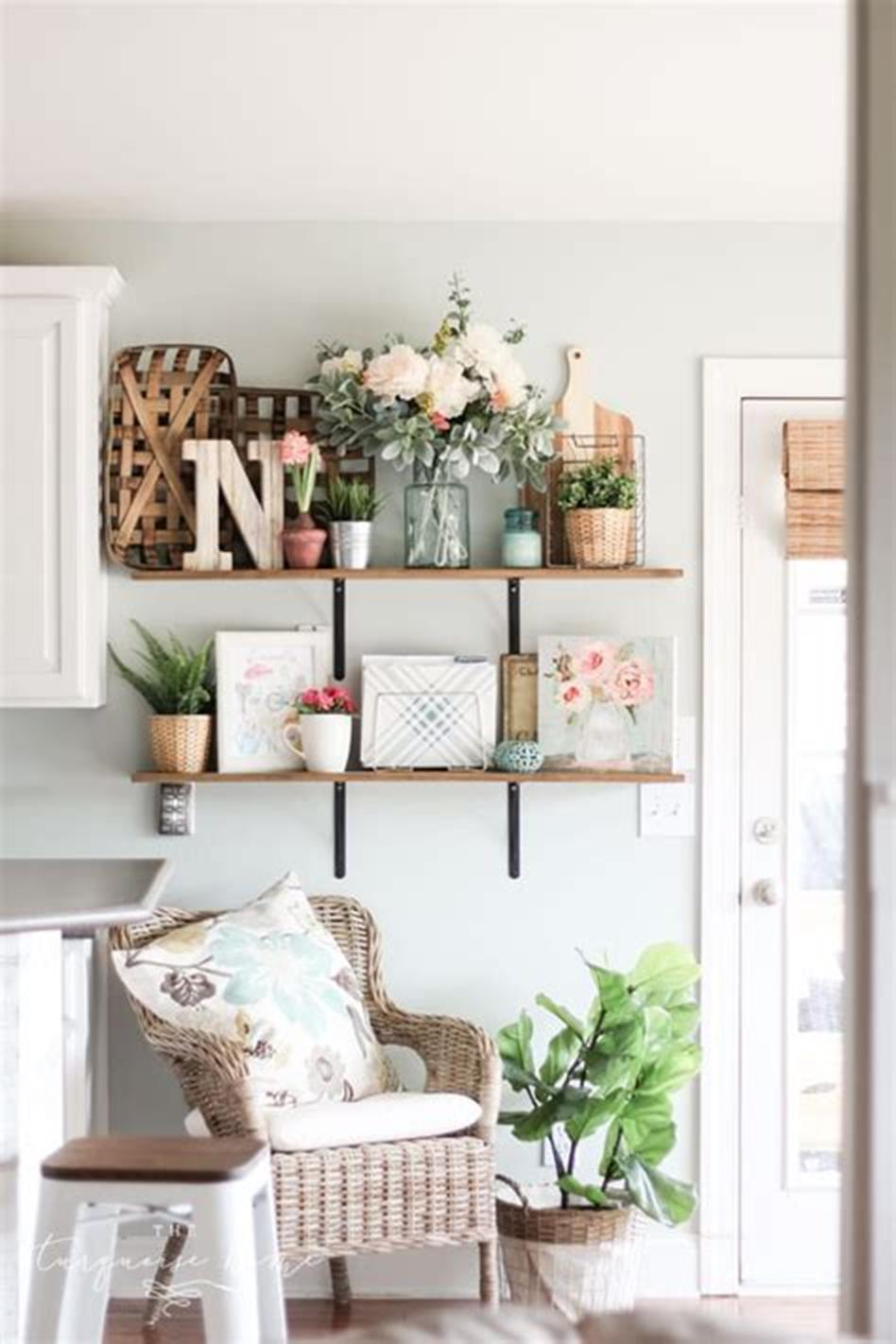 37 Beautiful Farmhouse Spring Decorating Ideas On a Budget for 2019 51