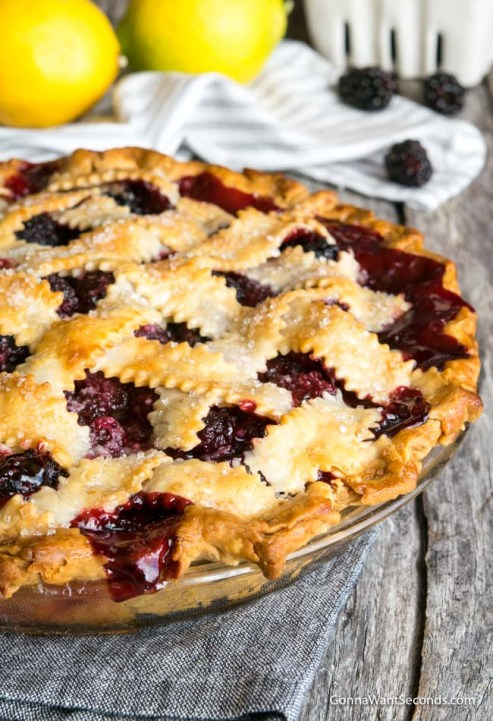 Easy Blackberry Pie close up