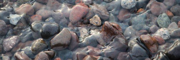 göl taşlar