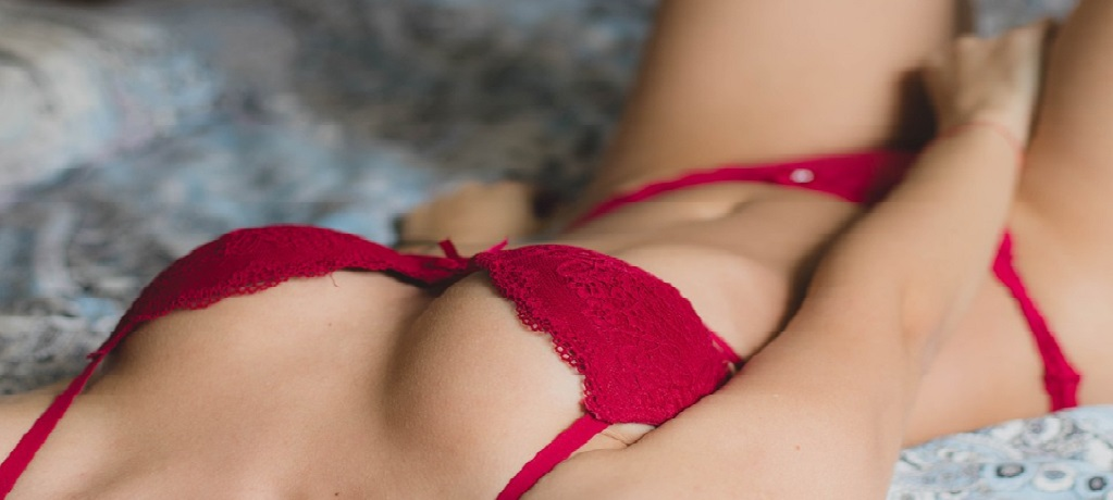 girls body on red lingerie