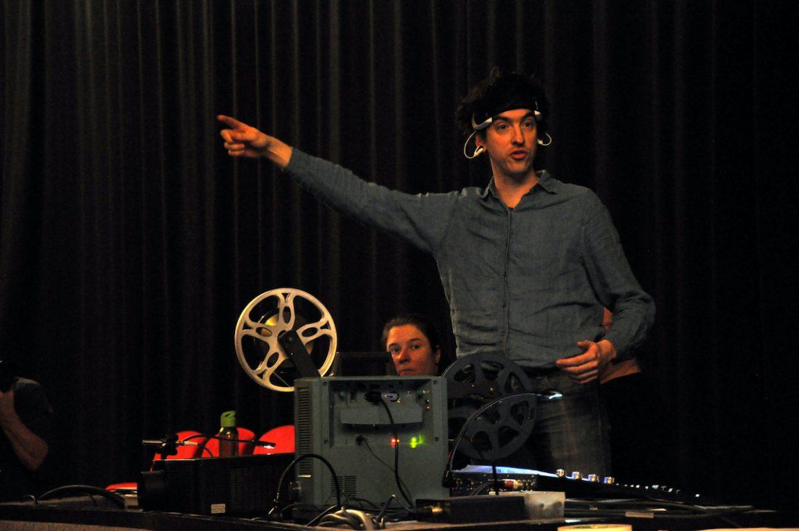 Floris Vanhoof tijdens de Andre Stordeur Tribute in het Antenna Festival in Evergem