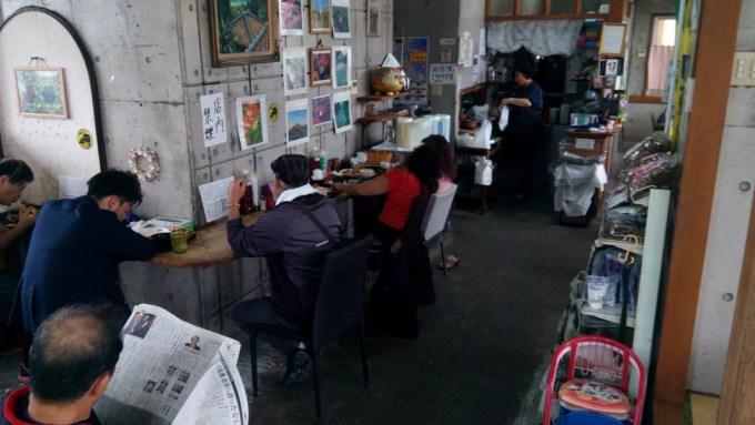 てびちも沖縄そばもおいしい和泉食堂の店内写真2