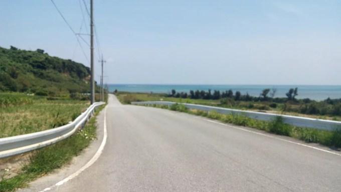 平安座島のドライブ風景1