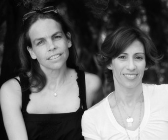 Kami Garcia Margaret Stohl Author Photo
