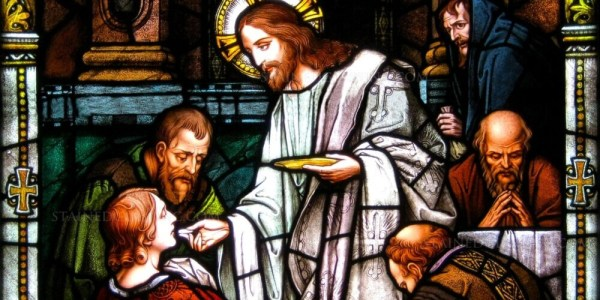 The Link Between Love & the Eucharist + 6 Ways to Love Christ More