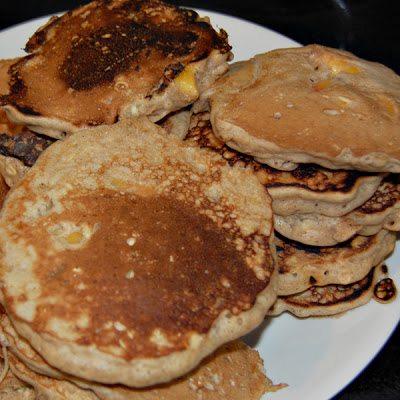 scratchy peachy oatmeal pancakes