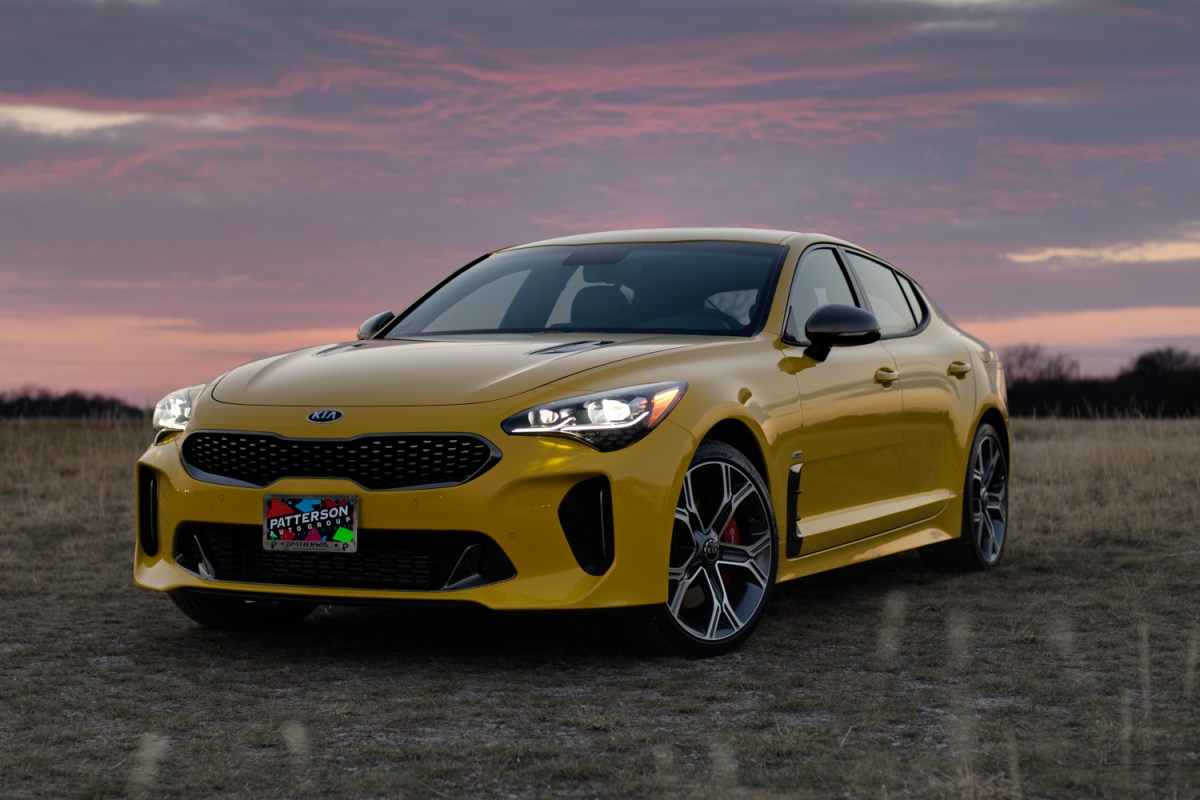 18_KIA_STINGER_YELLOW-1