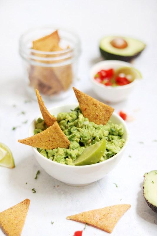 guacamole e nachos fatti in casa