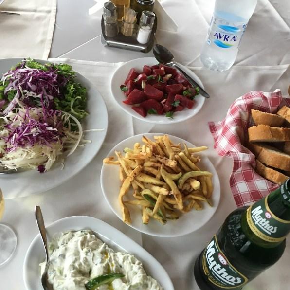 tafel met eten