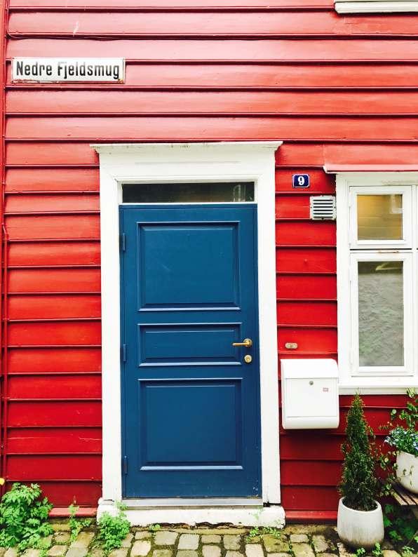 10 rood huis voordeur