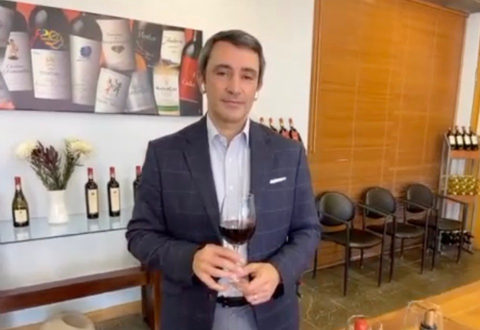 Escudo Rojo Winemaker Emmanuel Riffaud talks us through his 2019 Escudo Rojo Carménère Reserva.