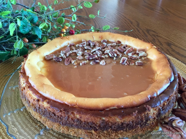 cheese cake with caramel and pecans