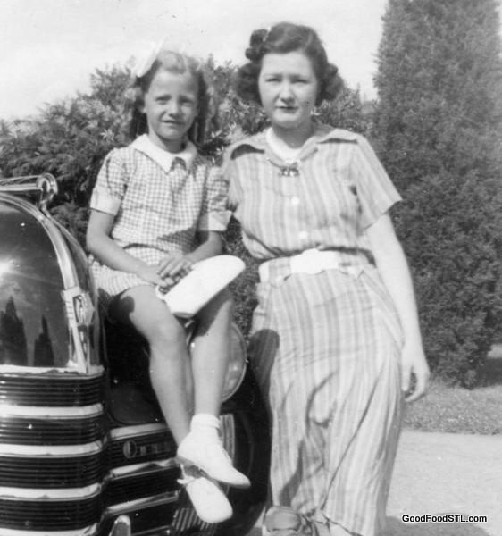 Jean Carpenter Carnahan and her mother Alvina Sullivan Carpenter in 1940s.