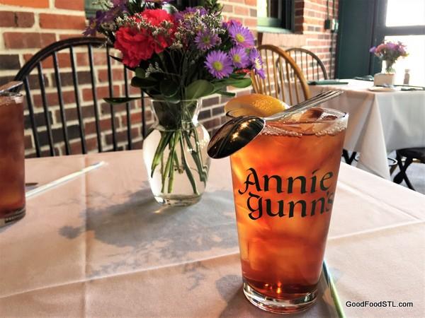 Annie Gunn S Smokehouse Restaurant