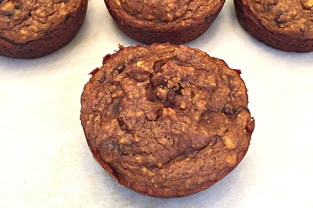 """""""Feels Like Fall"""" Gluten Free Pumpkin & Oat Muffins Recipe"""