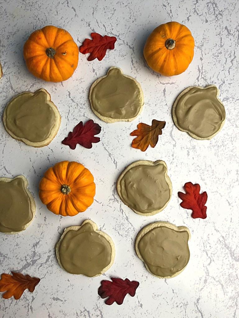 Pumpkin shaped gluten-free sugar cookies 2