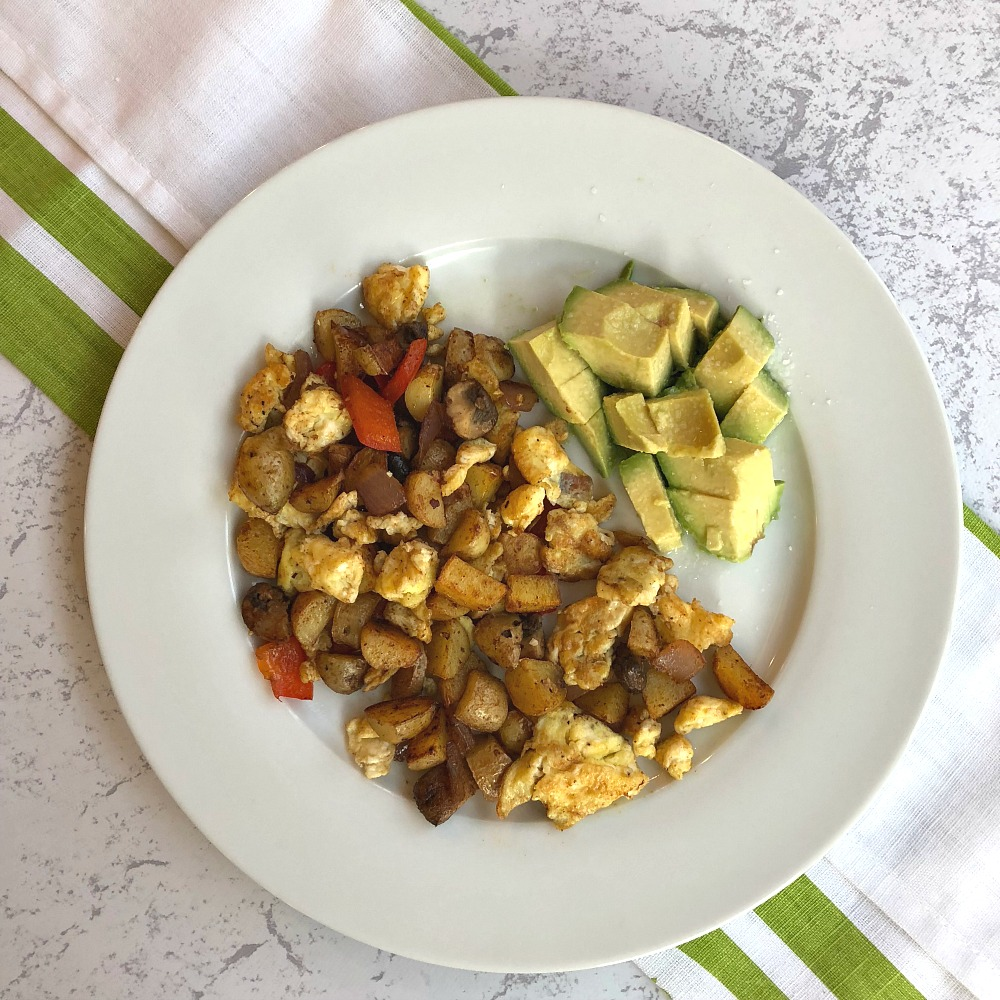 Whole 30 Breakfast Recipe - Scrambled eggs with potatoes and vegetables
